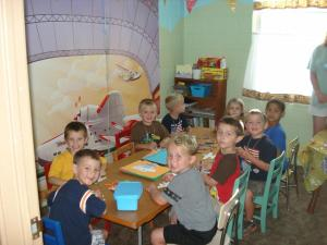 VBS KIDS ENJOY CRAFTS